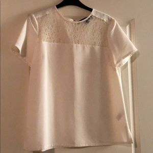White, perfect condition, short sleeve top